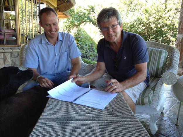 Gareth Barend signing res.