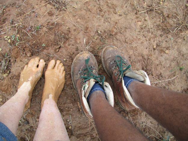 mudddy feet R