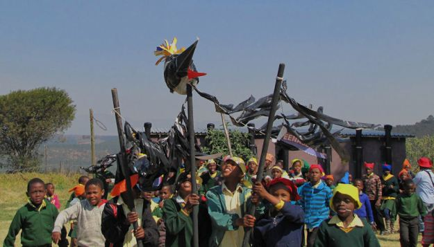 r giant crane and kids cropped. JPG