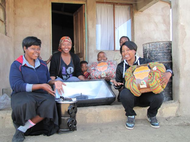r mpophomeni girls with cookers