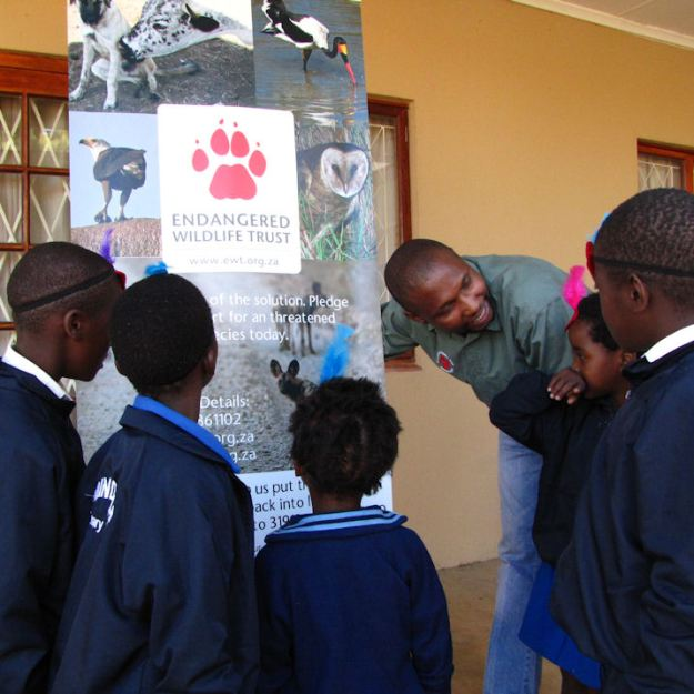 Sam chats to the Silindile Grade ones.RC