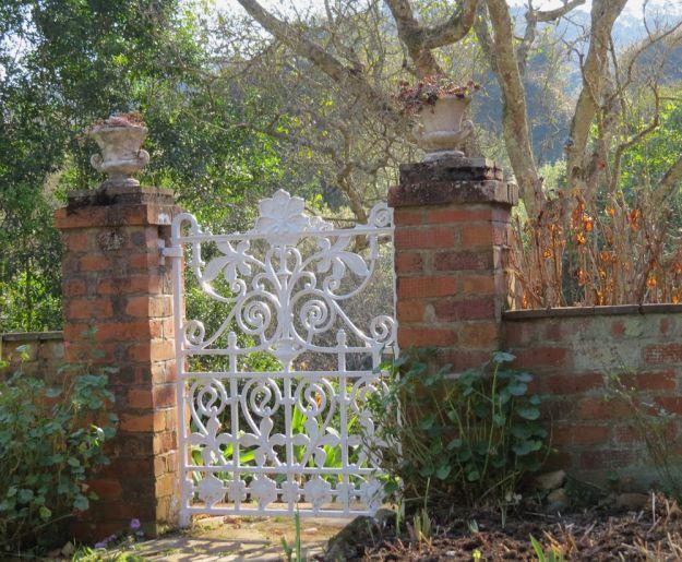 r garden gate