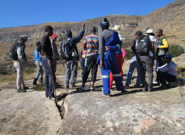 r geoff talks aboutthe mountains